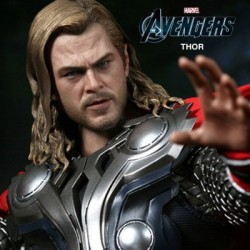 Thor ( Sixth Scale Figure by Hot Toys)