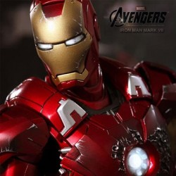 Iron Man Mark VII ( Sixth Scale Figure by Hot Toys)