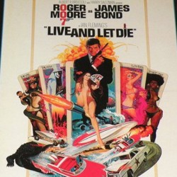 James Bond 007 Roger Moore in Live and let Die (Sixth Scale by Sideshow Collectibles)