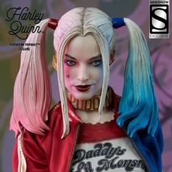 Harley Quinn - Exclusive (Premium Format™ Figure by Sideshow Collectibles)