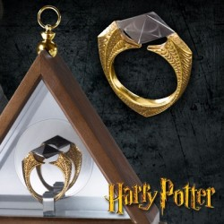 The Horcrux Ring Harry Potter (Prop Replica by The Noble Collection)