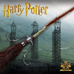 The Firebolt Harry Potter ( Prop Replicas by The Noble Collection)