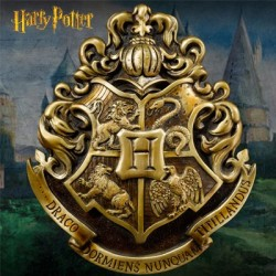Hogwarts Crest Wall Art Harry Potter (by The Noble Collection)