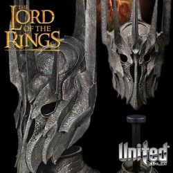 Helm of Sauron Lord of the Rings (Scaled Replica 1:4 by Sideshow Weta)