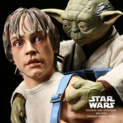 Luke & Yoda Dagobah Training Figure Set - Exclusive (Premium Format™ Figure)