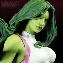 She Hulk - Exclusive (Premium Format™ Figure)