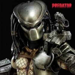 Predator (Statue)